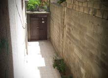 شقة للبيع مساحة 180م تتكون من 4غرف نوم 2 صالون 2حمام 2 برندا مطبخ + سدة