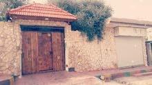 منزل كبير مستقل شبه فيلا جميل جدا في النعيمه البيع بداعي السفر