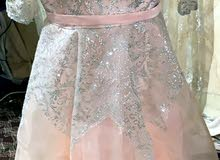 فستان للبيع لبسه وحدة فقط