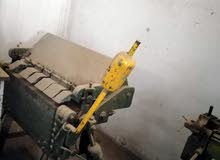 معدات تشكيل معادن مثل مجاري تكييف وثلاجات عرض وغيرها