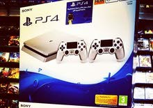 Ps4 500 Gb Slim Silver +2 controller with one year Replacement Guarantee