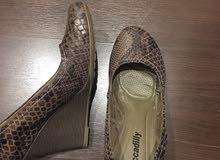 حذاء نسائي ماركة للبيع