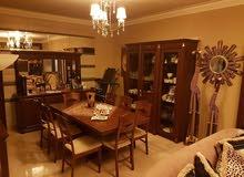 شقة مميزة مفروشة فرش دولكس مع ادواتها الكهربائية وديكورها للبيع في منطقة ذوق مكايل