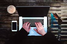 ابحث عن عمل ..في شركة او محل او اي شيء حلال المرجوا المساعدة
