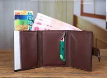 الصنف: محفظة النقود والبطاقات معا  نوع جلد يتسع لجميع فئات المبالغ بشكل كامل