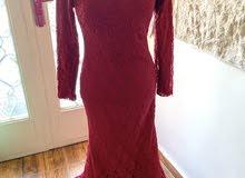 فستان احمر سهرة للمحجبات