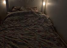 غرفة نوم وسط تتكون من دولاب وسط وسرير نفر ونص للبيع لتواصل0567459930