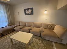 غرفة معيشه ذو جوده عاليه