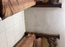سرير حشب للبيع