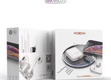 نسخة سماعات airpods منتجه من شركة {MOXOM}. منتج {MOXOM} الأصلي.