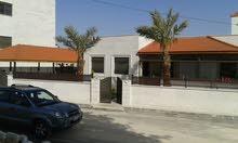 1175- فيلا للبيع في دابوق قرب دوار السوسنة بسعر 420 الف