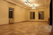 للايجار شقة فارغة سوبر ديلوكس في منطقة بين السابع و الثامن 4 نوم مساحة 350 م² - ط اول