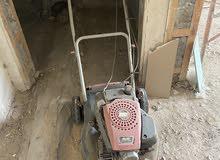 ماكينة لجز العشب