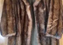 معطف فرو نسائي مقاسم 16- استعمال لمرة واحده فقط - من فرنسا