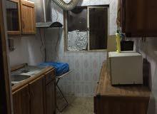 شقة للايجار في زيونة شارع ثانوية بدر الكبرى للبنات مدخل مستقل مع حمامين ومطبخ