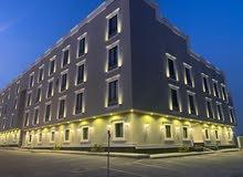 شقة فاخرة مع سطح المساحة 137م في حي عكاظ للبيع