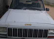 White Jeep Cherokee 1998 for sale