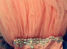 فستان ملكه فخم للبيع