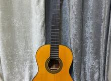 جيتار  مستعمل فترة بسيطة