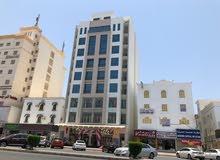 للبيع شقة جديدة 2 غرفة نوم في سوق الخوض مع دخل الإيجار