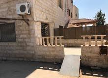 شقة أرضية ومعلقة  167 متر مع ساحة واسعة للبيع في عرجان