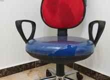 كرس واحد شبه جديد للبيع
