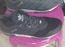 أحذية رياضية من نوع nike و adidas ممتازة