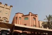 للبيع بيت في الجابربة 3 أدوار مساحة 485 م2 السعر على السوم .