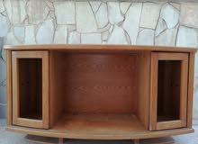 خزانة تلفزيون مع ظرفتين قزاز