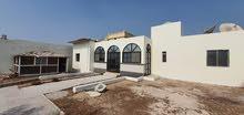 للايجار فيلا في دبي هور العنز 9 غرف ماستر و حوش كبير و مواقف عدد 5 سيارات