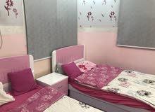 غرفه نظيفه مستعمله سريرين نفر ونص وستاير2 وكومدينه ودولاب