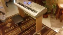 بيانو ياماها إليكتروني حاله ممتازه جدا مع الكرسي