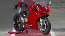Buy a Used Ducati motorbike made in 2016