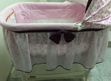 سرير زهري بناتي شبه جديد