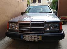 مرسيدس E200 موديل 1993
