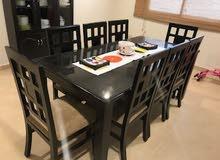 طاولة طعام عدد 8 اشخاص