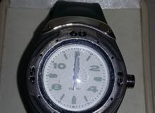 ساعة نوع كوارتز للبيع  بسعر مغري