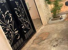 منزل للبيع بعين زاره بجانب شيل القرقني اربعه شوارع زويته تم تعديل السعر