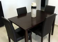 Dining table+ 4 Chairs