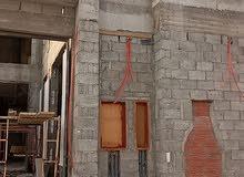 فلة درج صالة مع شقة  تكييف مخفي سخانات مخفية ضمانات