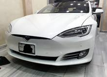 Tesla S 2016 For sale - White color