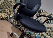 كرسي مكتبي  استعمال بسيط جدا أقرب للجديد