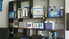 يوجد لدينا جميع انواع اجهزة تحلية مياه و مستلزماتها و عرض خاص على الفلاتر
