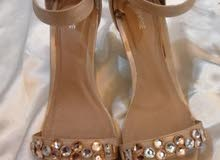 Beautiful mid length heels from England. Only worn twice, so in great condition!