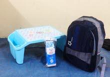 شنط مدرسية مقلمة مع شنطة مع طاولة بسعر 6ريال فقط العرض ساري لمدة اسبوع فقط