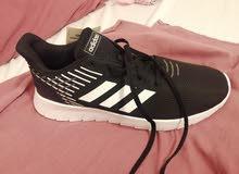 حذاء adidas اصلي 100٪جديد
