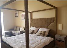 سرير كينج فخم للبيع بسعر بسيط لعدم توفر المساحة