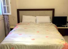 سرير + 2 كومود