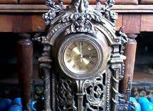 ساعة قيمة لهوة تحف للبيع