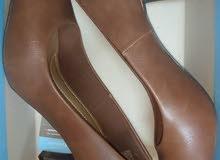 new confortable heels (urgent sale) حذاء كعب مريح